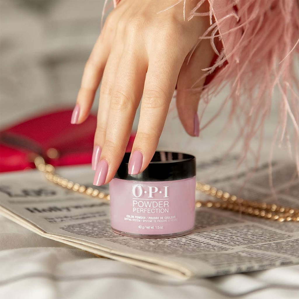 All You Should Know about the Long-lasting Dip Powder Nails